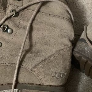 UGG Shoes - ❌SALE❌Fur lined UGGS 9 SUPER CUTE lace ups 9